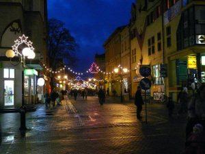 Szczecinek nocą (Szczecinek at night) by SAPiK (CC BY 3.0)